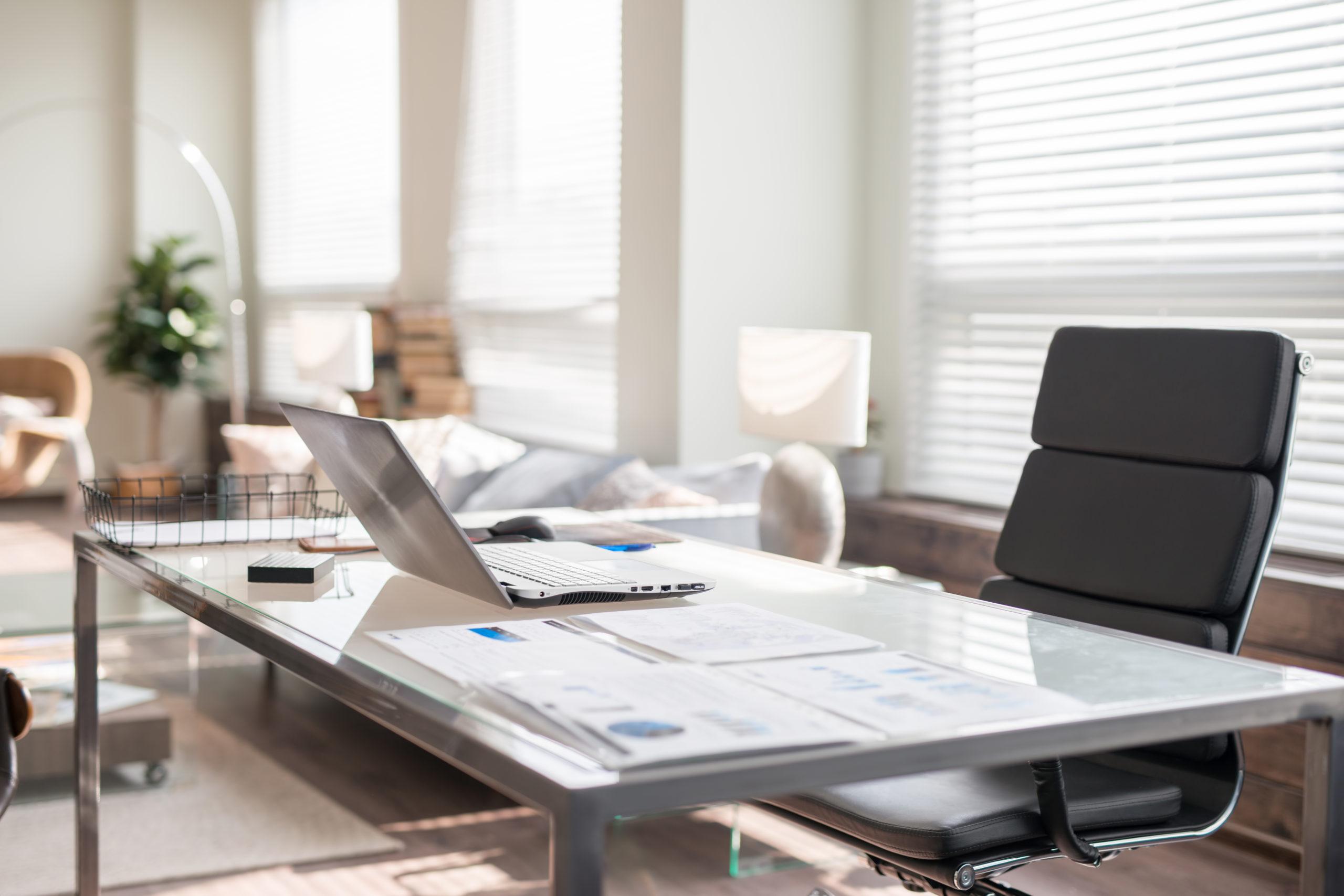 Wie sieht Ihr Schreibtisch aus?